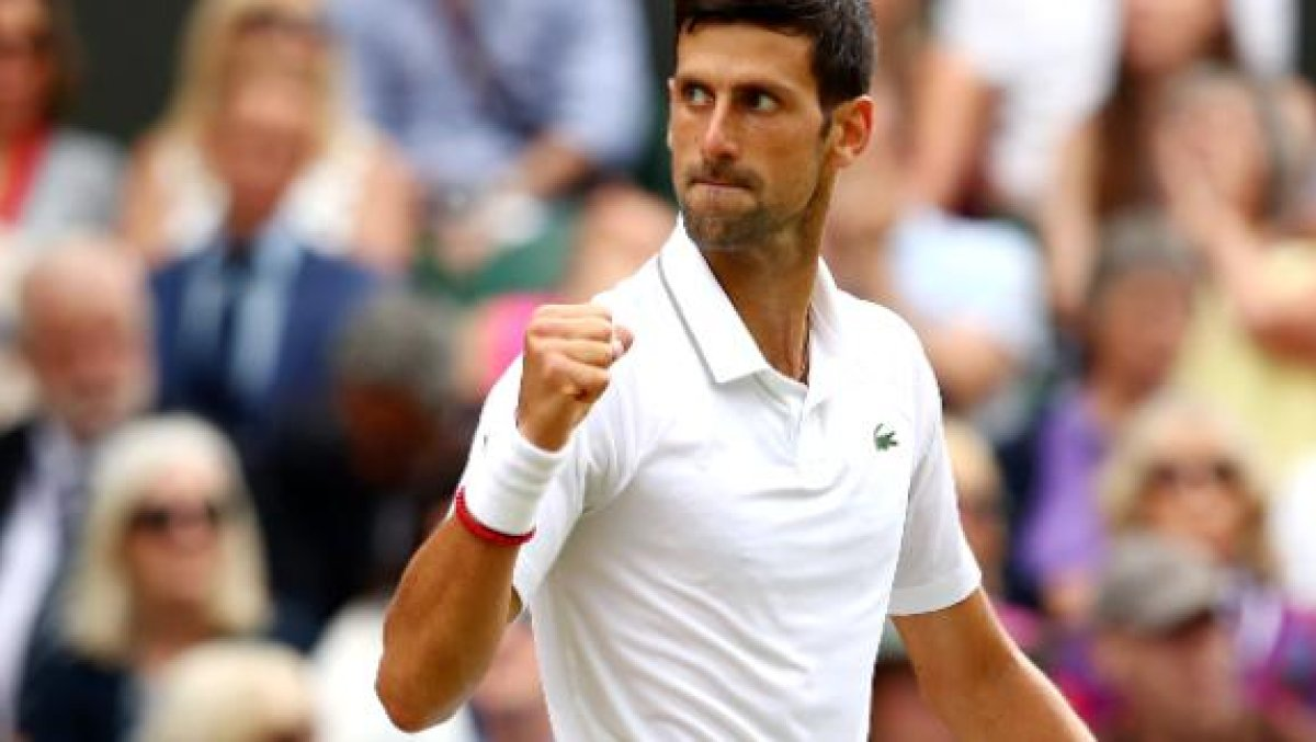 djokovic fist pump