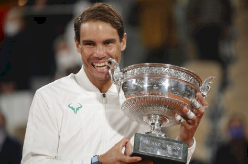 """""""no-words-for-this-legend"""":-richard-gasquet-praises-rafael-nadal-as-he-continues-his-legacy-at-french-open"""