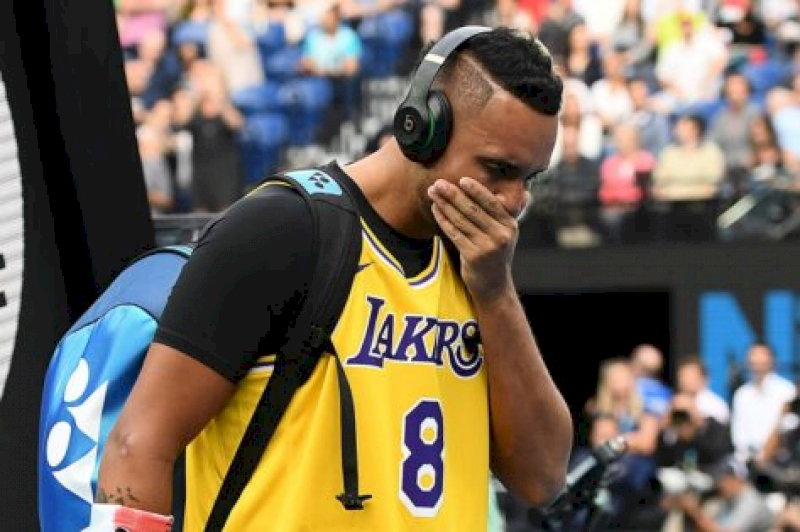 """""""still-weighs-heavily""""-–-nick-kyrgios-on-difficulties-of-playing-australian-open-following-kobe-bryant's-death"""